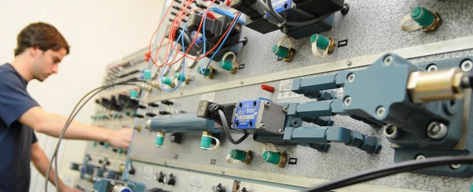 Instalación y montajes mecánicos de equipos, Prefabricación, instalación y montaje de tuberías, Montaje de estructuras metálicas, Fabricación y Erección de tanques metálicos, Aislamiento y pintura